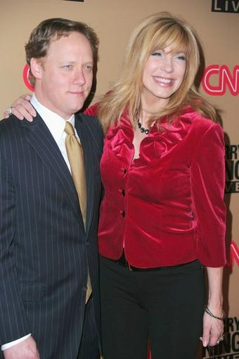 "Producer Steve Fenton and TV host <a class=""taxInlineTagLink"" id=""PECLB001918"" title=""Leeza Gibbons"" href=""/topic/entertainment/leeza-gibbons-PECLB001918.topic"">Leeza Gibbons</a>."