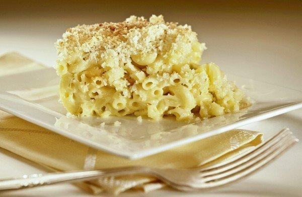 The macaroni and cheese at King's Fish House restaurants is topped with panko bread crumbs for added crunch.