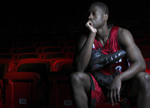 Heat select guard Dwyane Wade with No. 5 pick of NBA Draft.