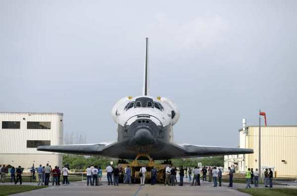 Moving the space shuttle Atlantis to its new home in Florida next month won't be as difficult as Endeavour's recent journey through Los Angeles, but it still presents challenges.