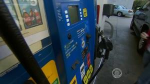 Gas thieves in Michigan City foil credit card authorizing system