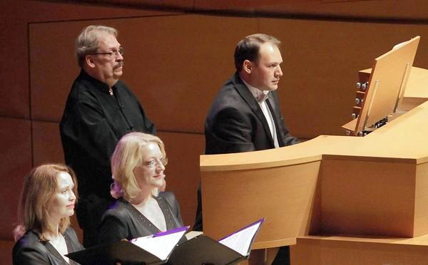 "Organist Paul Meier, right, performs Arvo Part's ""The Beatitudes"" with the Los Angeles Master Chorale."
