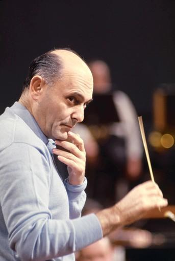 Hungarian-British conductor and pianist Georg Solti (1912-1997).