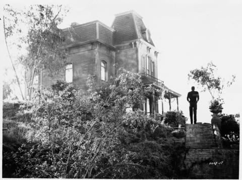 Though the Bates Motel and Norman's house are located on the Universal Studios backlot, accessible only by tram tour, the car dealership where Janet Leigh exchanged cars near the opening of Alfred Hitchcock's 1960 thriller is just down the street from the studio.