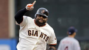 Giants open World Series with 8-3 romp