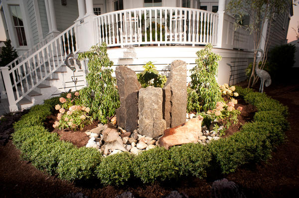 Landscaping front lawn landscaping ideas small spaces for Garden landscape ideas for small spaces
