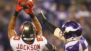 Buccaneers soar over Vikings 36-17