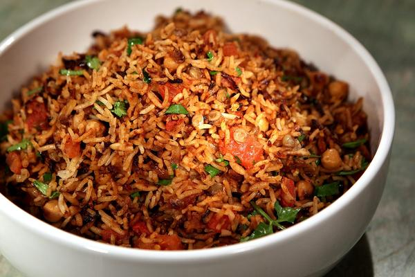 Recipe: Rice pilaf with chickpeas, lentils and browned onions. - LA ...