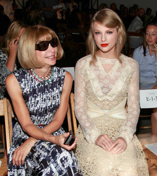 Even Vogue editor Anna Wintour gives Taylor the thumbs up.
