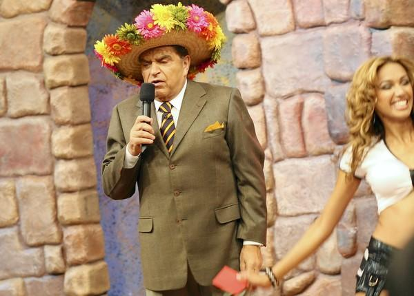 "Don Francisco has hosted the Spanish-language show (which translates to ""Giant Saturday"") since 1962."