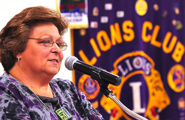 Transplant organ recipient Aleta Irving tells her story Saturday at an organ donor symposium at Boonsboro American Legion.