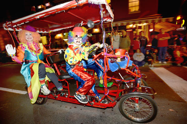 Clowning around in the Alsatia Mummers Parade Saturday night.