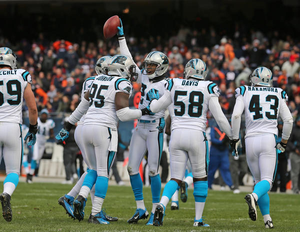 Cornerback Kelvin Hayden celebrates his interception against the Bears during the first quarter.