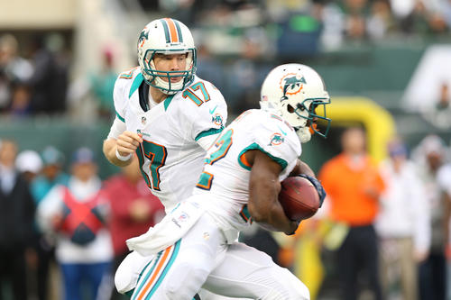 Ryan Tannehill and the Dolphins looked sharp early against the Jets on Sunday, marching 62 yards on the opening possession to take a 3-0 Miami.