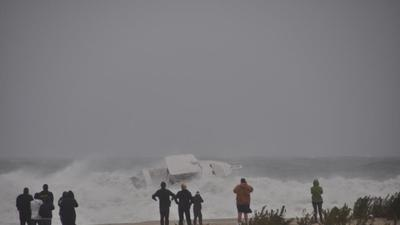 VIDEO: 'Crazy' boater tries to take on Hurricane Sandy