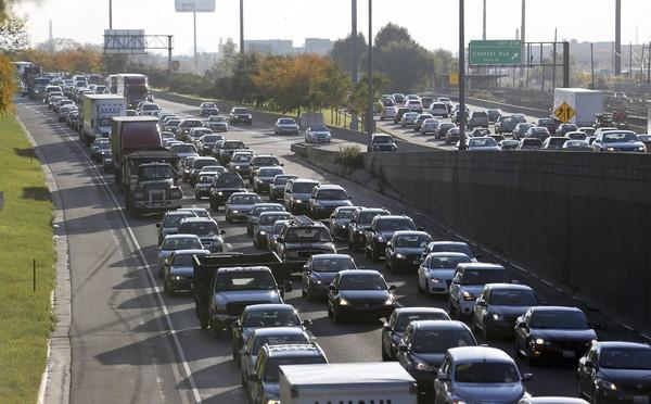"Chicago-area commuters spend an estimated 71 hours a year sitting in traffic. ""Congestion-priced"" lanes can help alleviate that."