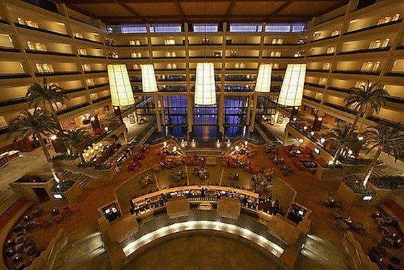 Jw Marriott Resorts Mark The Holiday With 100 Credit For