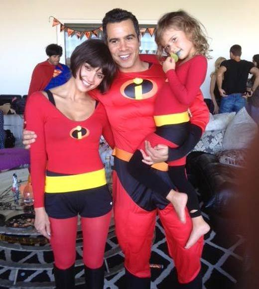Celebrity Halloween costumes 2012: Jessica Alba and family