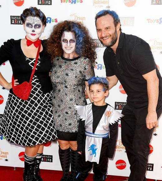 Celebrity Halloween costumes 2012: Actress Marissa Jaret Winokur and family