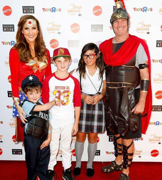 Celebrity Halloween costumes 2012: Heather McDonald and family