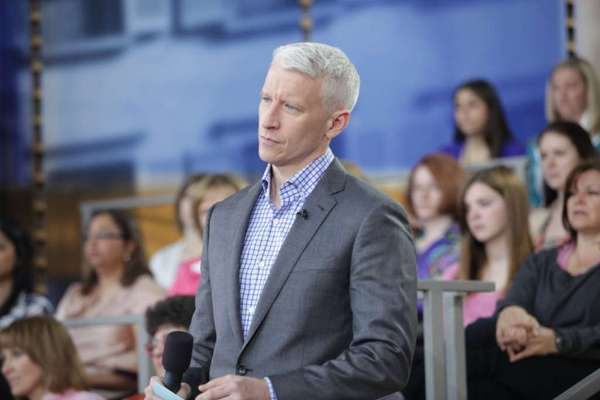 Anderson Cooper can't keep his day job -- his syndicated talk show will be ending after this season.