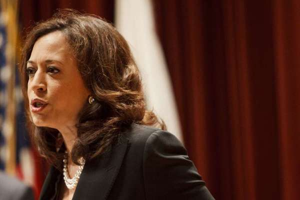 California Atty. Gen. Kamala D. Harris this week began putting top mobile app makers on notice that they will be held accountable for how they handle Californians' personal information.