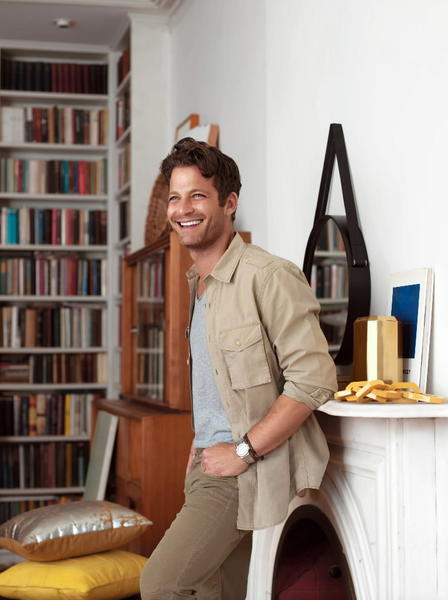 After almost two years on the market, Chicago interior designer Nate Berkus' seven-room, full-floor Gold Coast condominium unit sold Jan. 16 for $1.6 million.