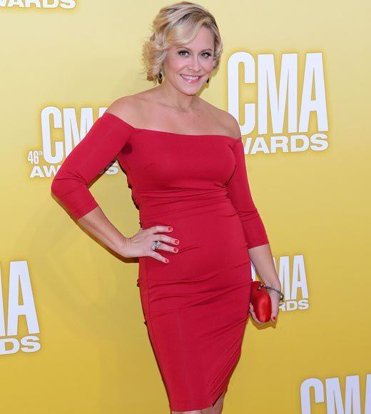 2012 CMA Awards red carpet arrival pics: Gwen Sebastian