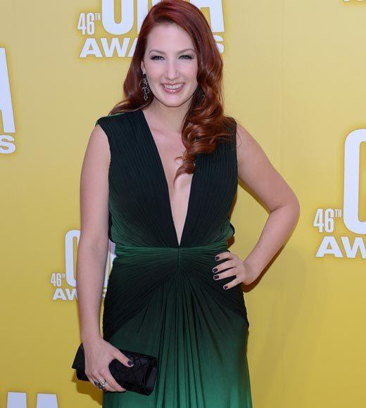 2012 CMA Awards red carpet arrival pics: Katie Armiger