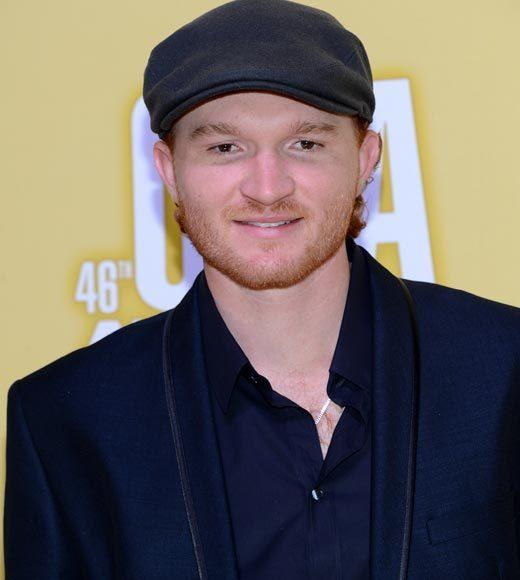 2012 CMA Awards red carpet arrival pics: Eric Paslay