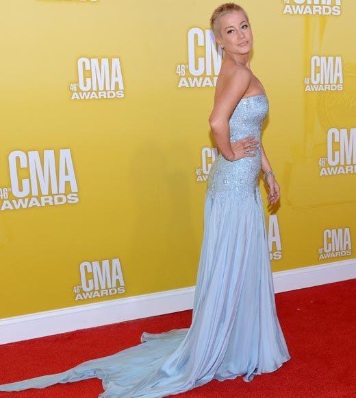 2012 CMA Awards red carpet arrival pics: Kellie Pickler