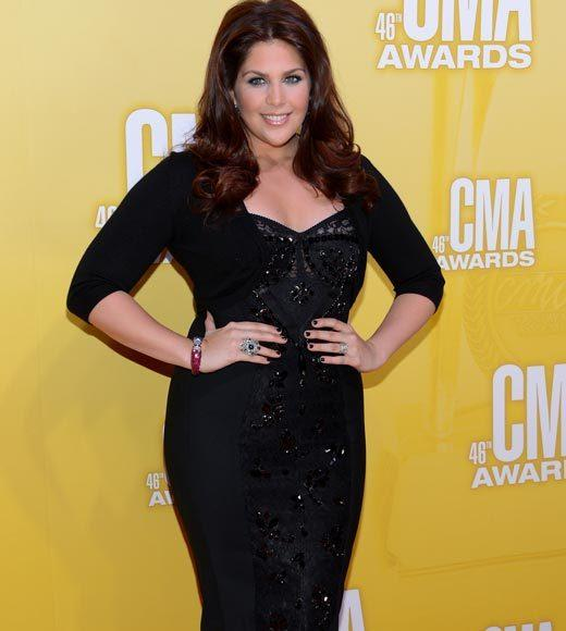 2012 CMA Awards red carpet arrival pics: Hillary Scott