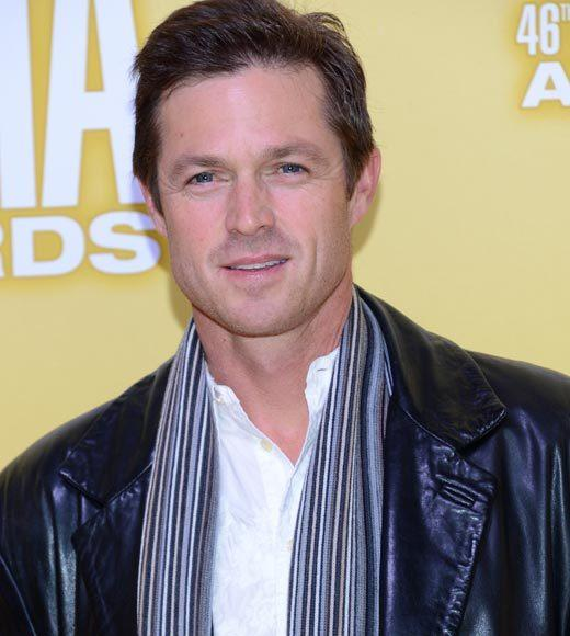 2012 CMA Awards red carpet arrival pics: Eric Close