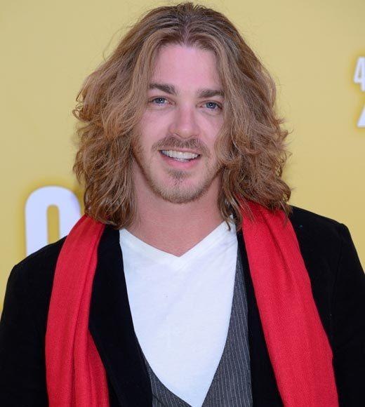 2012 CMA Awards red carpet arrival pics: Bucky Covington