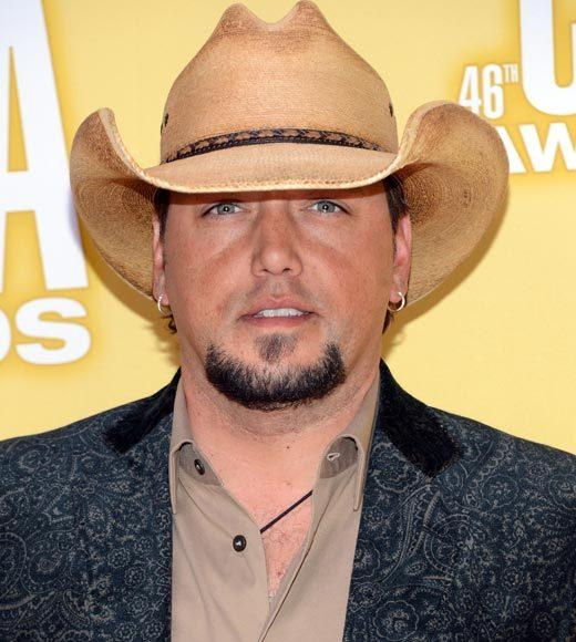 2012 CMA Awards red carpet arrival pics: Jason Aldean