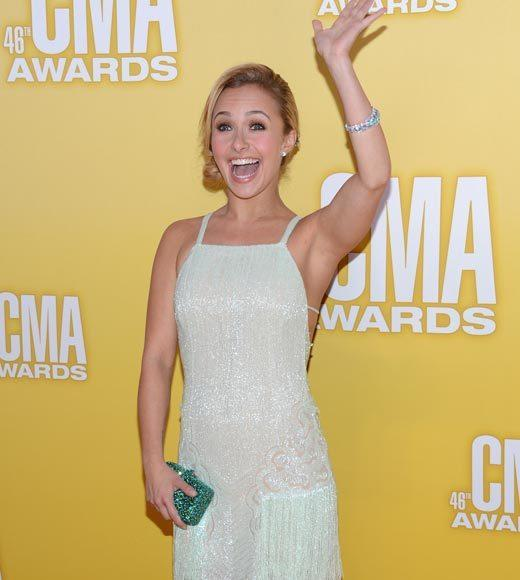 2012 CMA Awards red carpet arrival pics: Hayden Panettiere