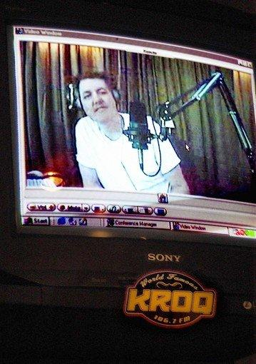 "Gene Bean of KROQ's ""Kevin and Bean"" show is donating a kidney to a co-worker."