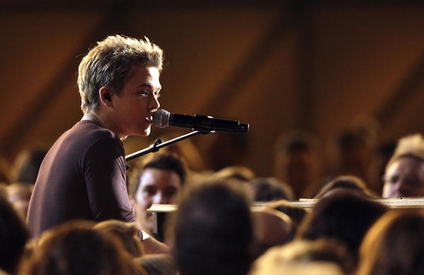 Hunter Hayes was named new artist of the year at 46th Country Music Assn. Awards ceremony Thursday in Nashville.