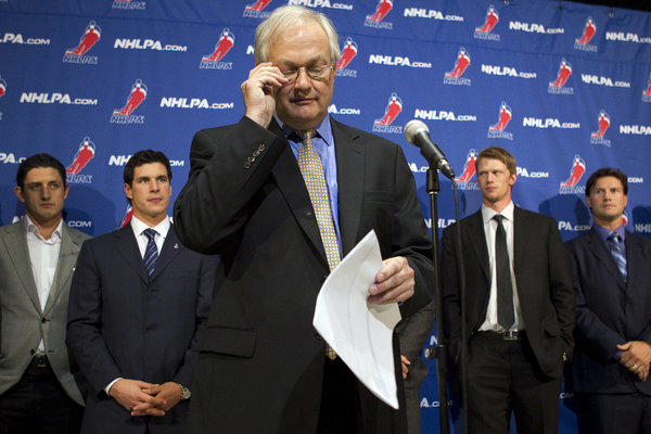 Donald Fehr, executive director of the NHLPA, sent a memo to players saying the restarted talks on Saturday at a secret location were an effort by both sides to try to settle their differences.