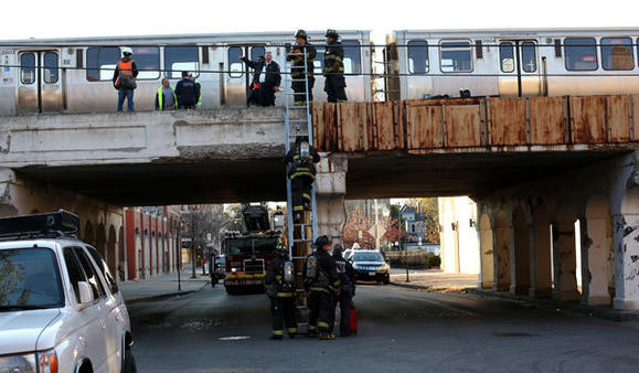 CTA train derailment. Heather Charles, Chicago Tribune