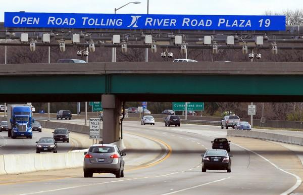 Beginning Monday, people who want to challenge their toll violations can use a website to get the process started, instead of visiting or calling tollway offices. About 2,000 customers are expected to use the system each month, a tollway official said.
