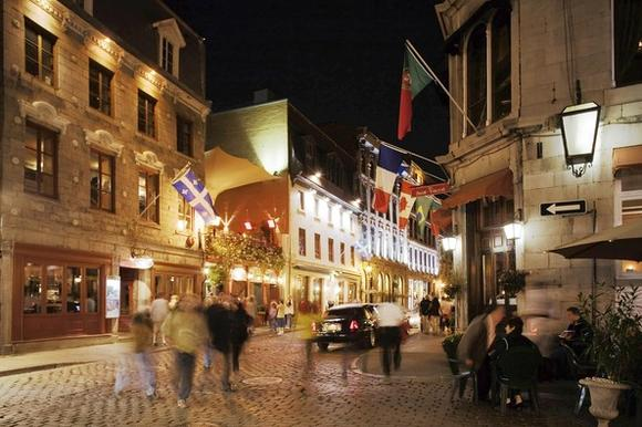 Nighttime on the streets of Old Montreal, 2006