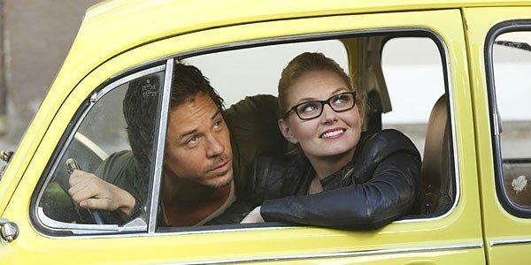 """Once Upon a Time's"" Neal and Emma try to get out of a ticket shortly after meeting."