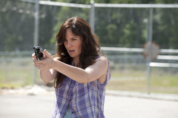 Lori Grimes (Sarah Wayne Callies) takes aim.