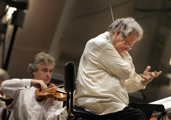 "Itzhak Perlman conducts the L.A. Phil and plays the violin in an all Beethoven program at the Hollywood Bowl on Sept. 06, 2011. <br><a href=""http://www.latimes.com/entertainment/arts/culture/la-et-cm-review-itzhak-perlman-20120914,0,2902975.story"" target=""blank""><b>Review: </b>Itzhak Perlman closes Hollywood Bowl classical season</a>"