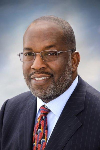 Bernard J. Tyson, a 28-year veteran of Kaiser Permanente, was chosen to take over as chairman and chief executive of the Oakland healthcare company.