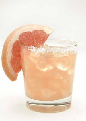 "<a href=""http://www.latimes.com/features/food/la-fo-grapefruit-margarita-s,0,1215777.story"" target=""_blank"">Grapefruit margarita</a>"