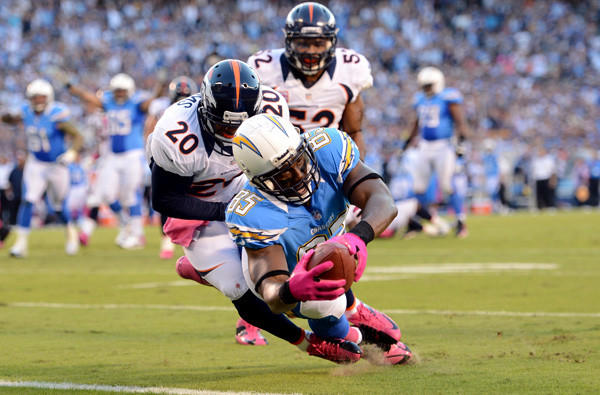 No word on whether Chargers tight end Antonio Gates used a sticky towel on his gloves before this pass play led to a touchdown against the Broncos last month.