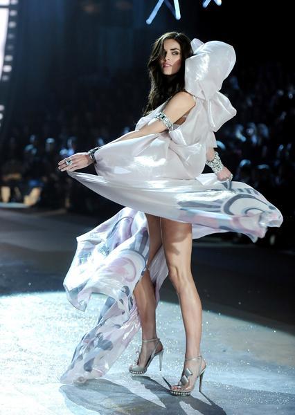 Model Hilary Rhoda.