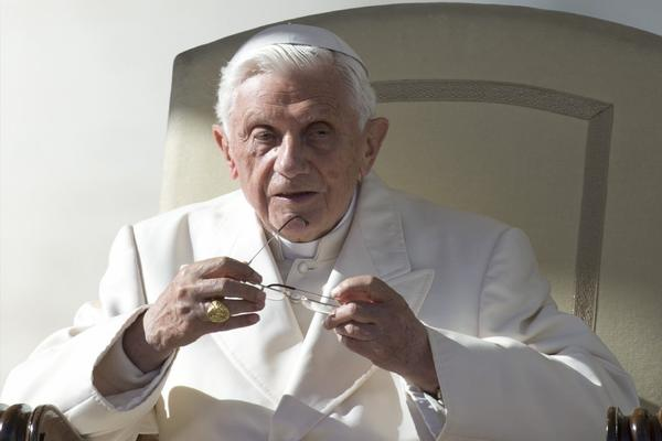 The Vatican says Pope Benedict XVI will begin tweeting from a personal Twitter account, possibly before year's end.